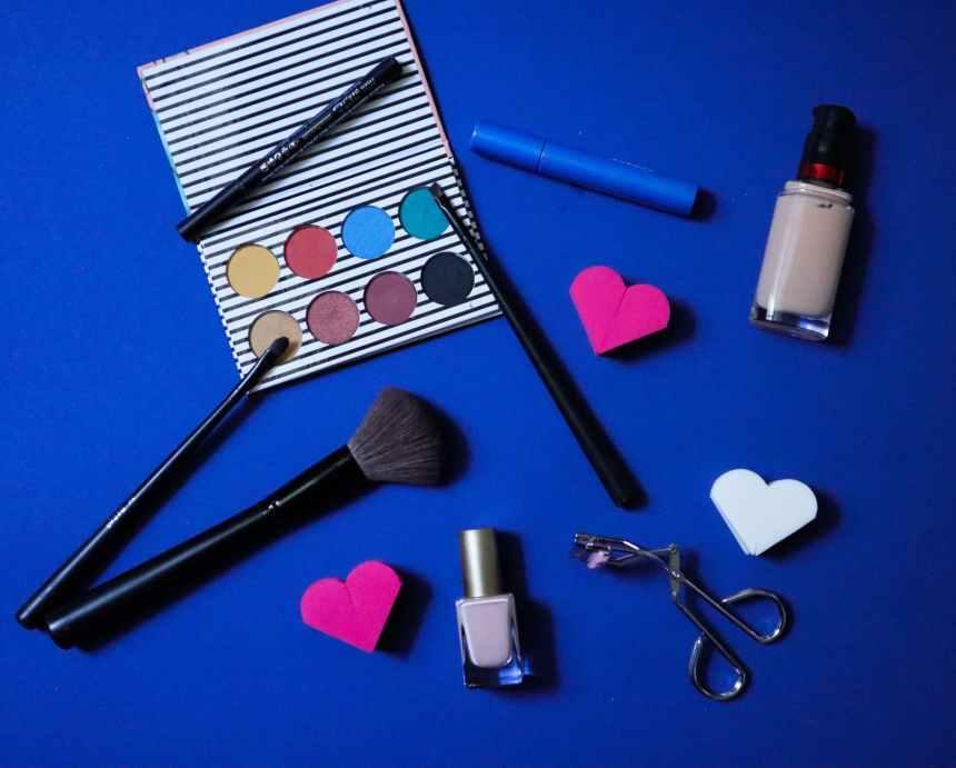 make up brushes and make up brushes